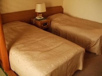 渚亭 ベッド